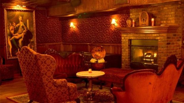 Parte interna do bar.