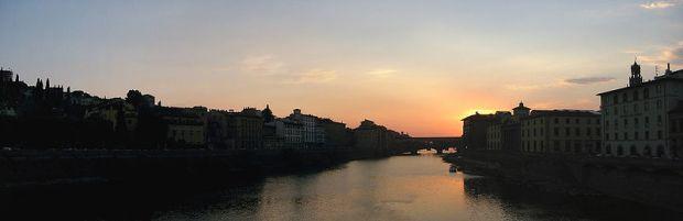 800px-Ponte_Vecchio_Pano_Sunset